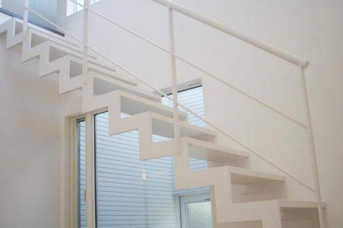 25.洒落たデザインの新築戸建|玄関