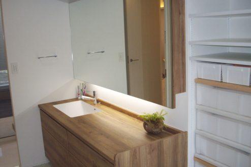 37.洒落たデザインの新築戸建|洗面所