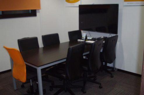 18.IT企業のオフィス|会議室