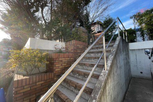 5.笹野台戸建て|外階段