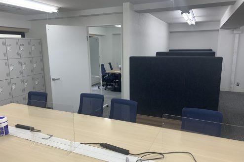 12.ネガティブ撮影OK なんでもオフィス|会議室の中をのぞけます
