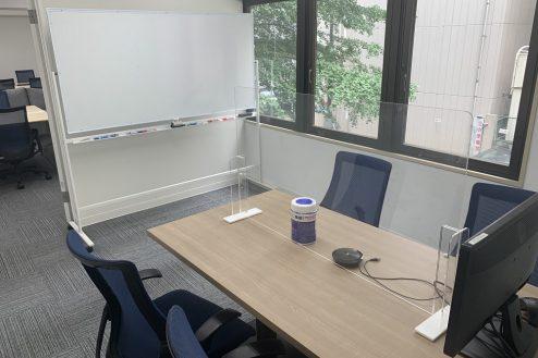 14.ネガティブ撮影OK なんでもオフィス|会議室内の様子。控室としてもどうぞ