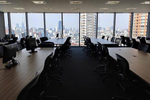3.株式会社GOOYA 新宿〜原宿方面を一望できる全面ガラス張りの壮観なオフィス