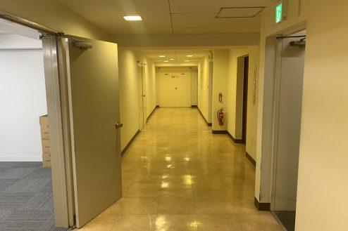 16.ネガティブ撮影OK なんでもオフィス|廊下は共用部になりますが、応相談で撮影可能