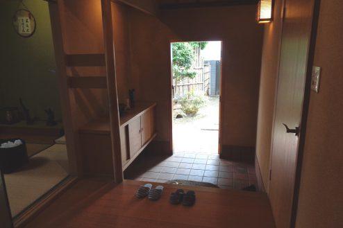 12.練馬・一軒家スタジオ 玄関