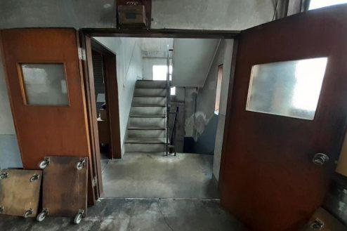 9.町工場・横浜市 工場内・階段