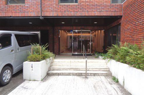 16.千駄ヶ谷・屋上|正面入口