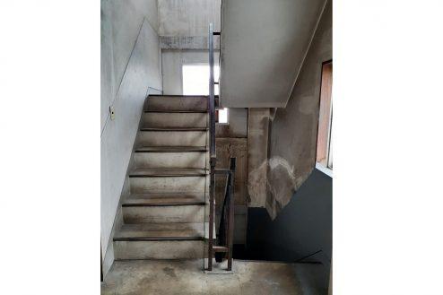 10.町工場・横浜市 工場内・階段